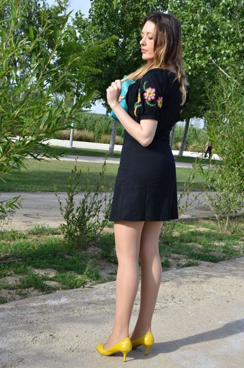 black-flowers-1