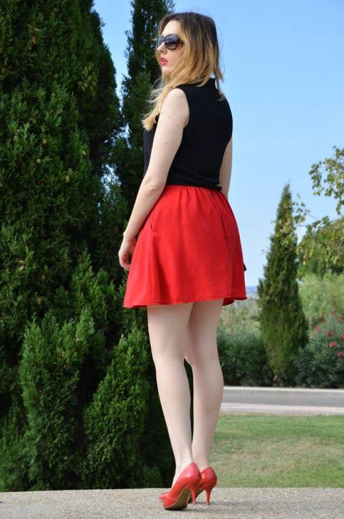 black-red-3