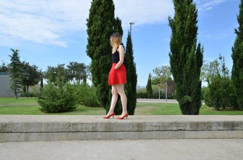 black-red-4