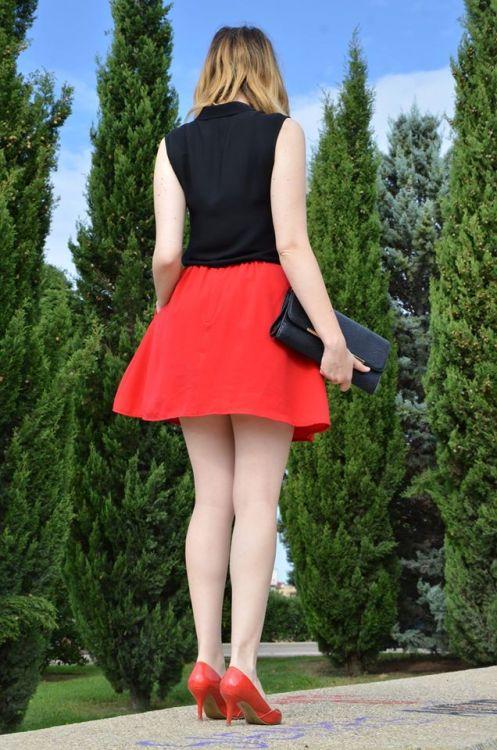 black-red-7