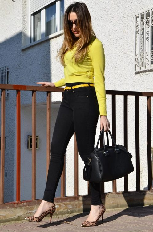yellow-black-10