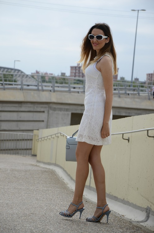 whitelacedress-18