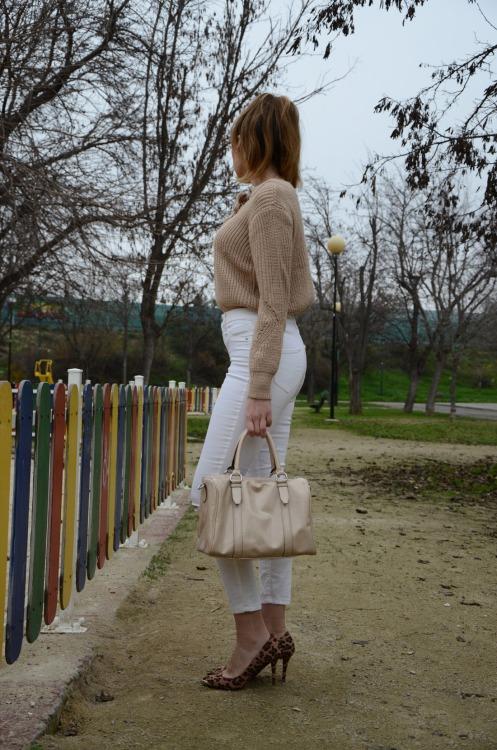 laceupsweater-1