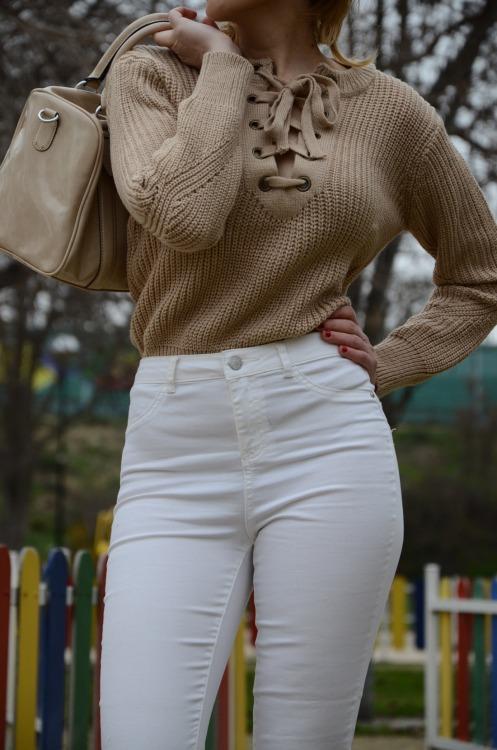 laceupsweater-12
