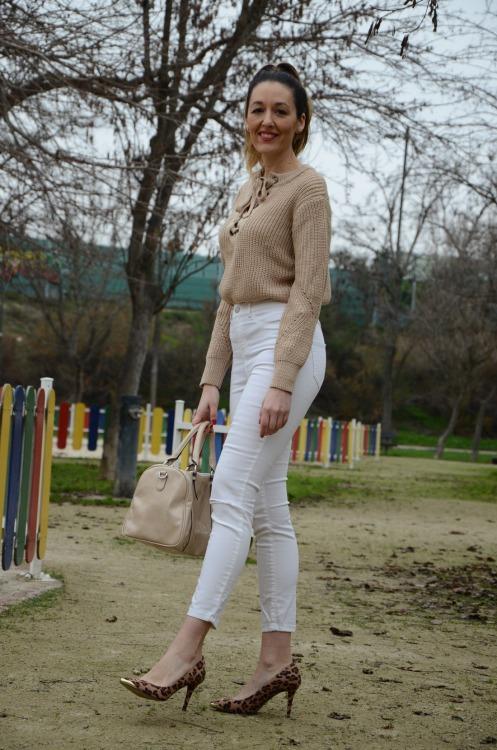 laceupsweater-14