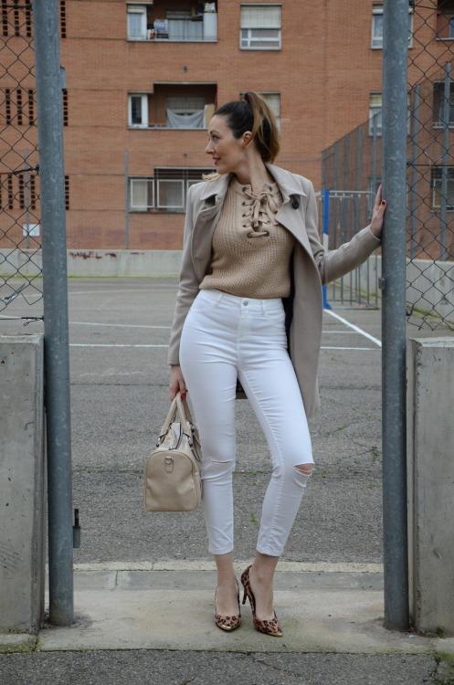 laceupsweater-15