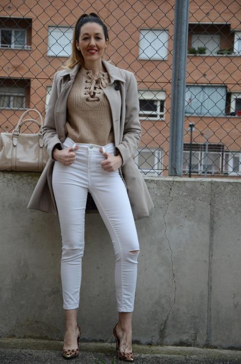laceupsweater-16