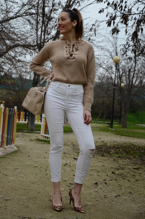 laceupsweater-17