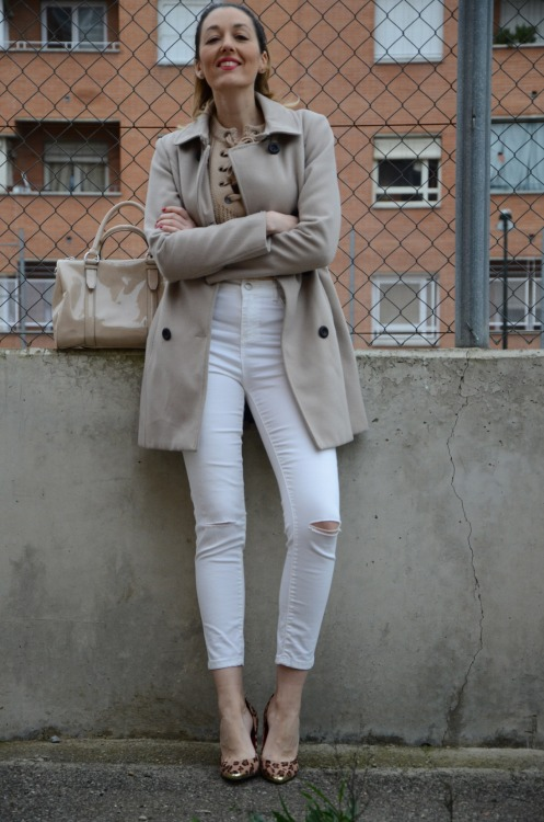 laceupsweater-4