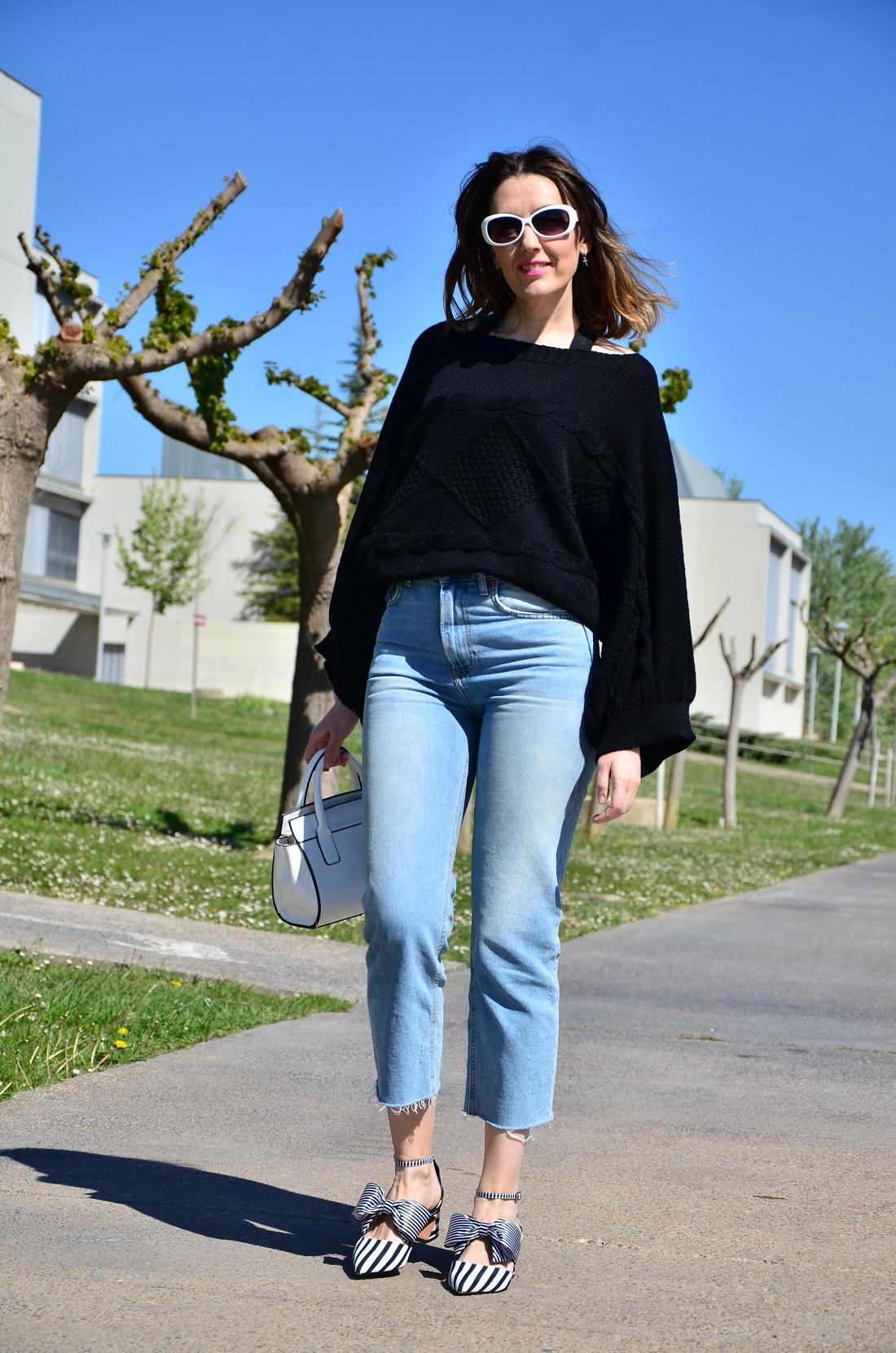 blacksweater-1