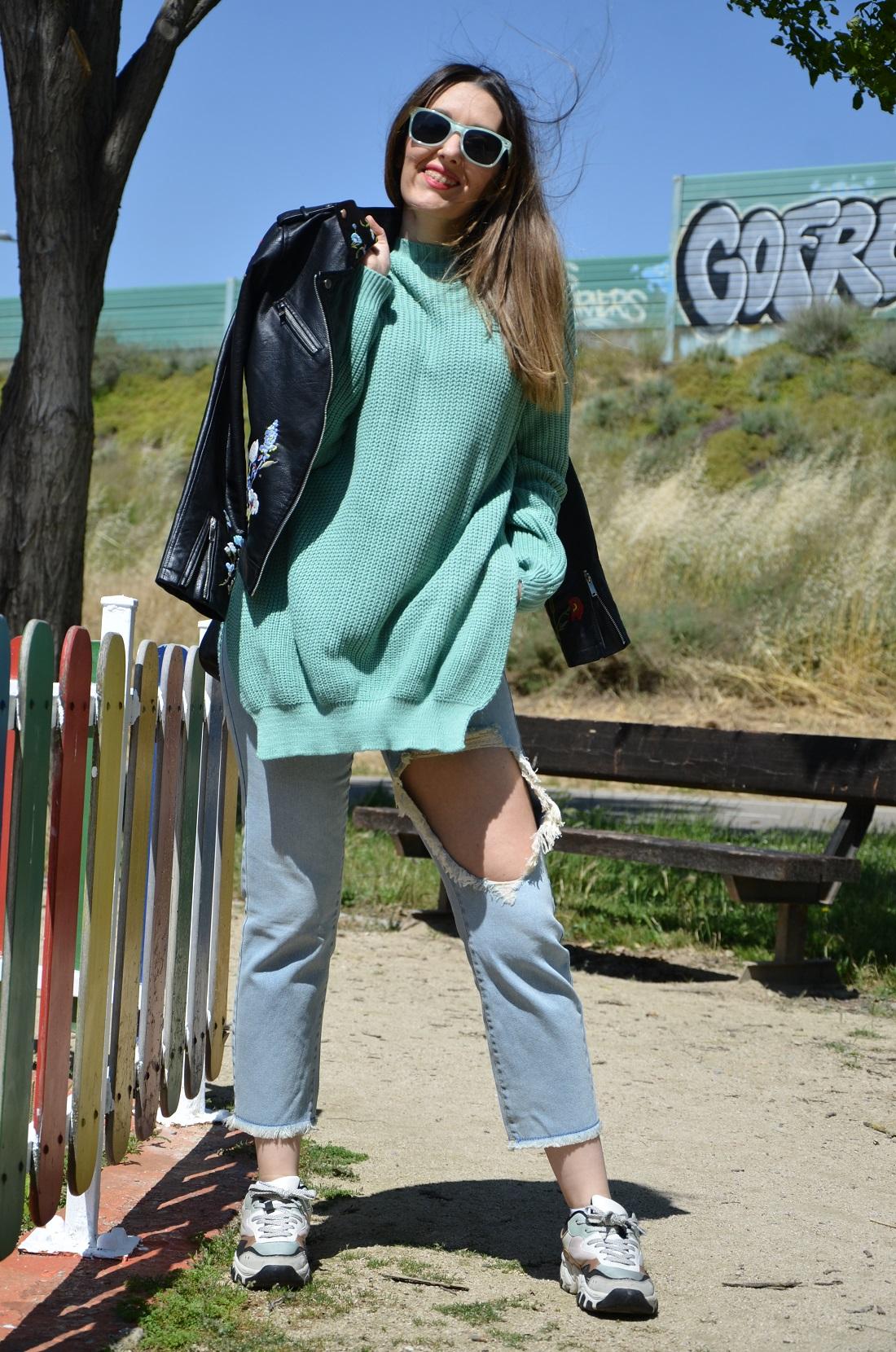 mintgreensweater-1