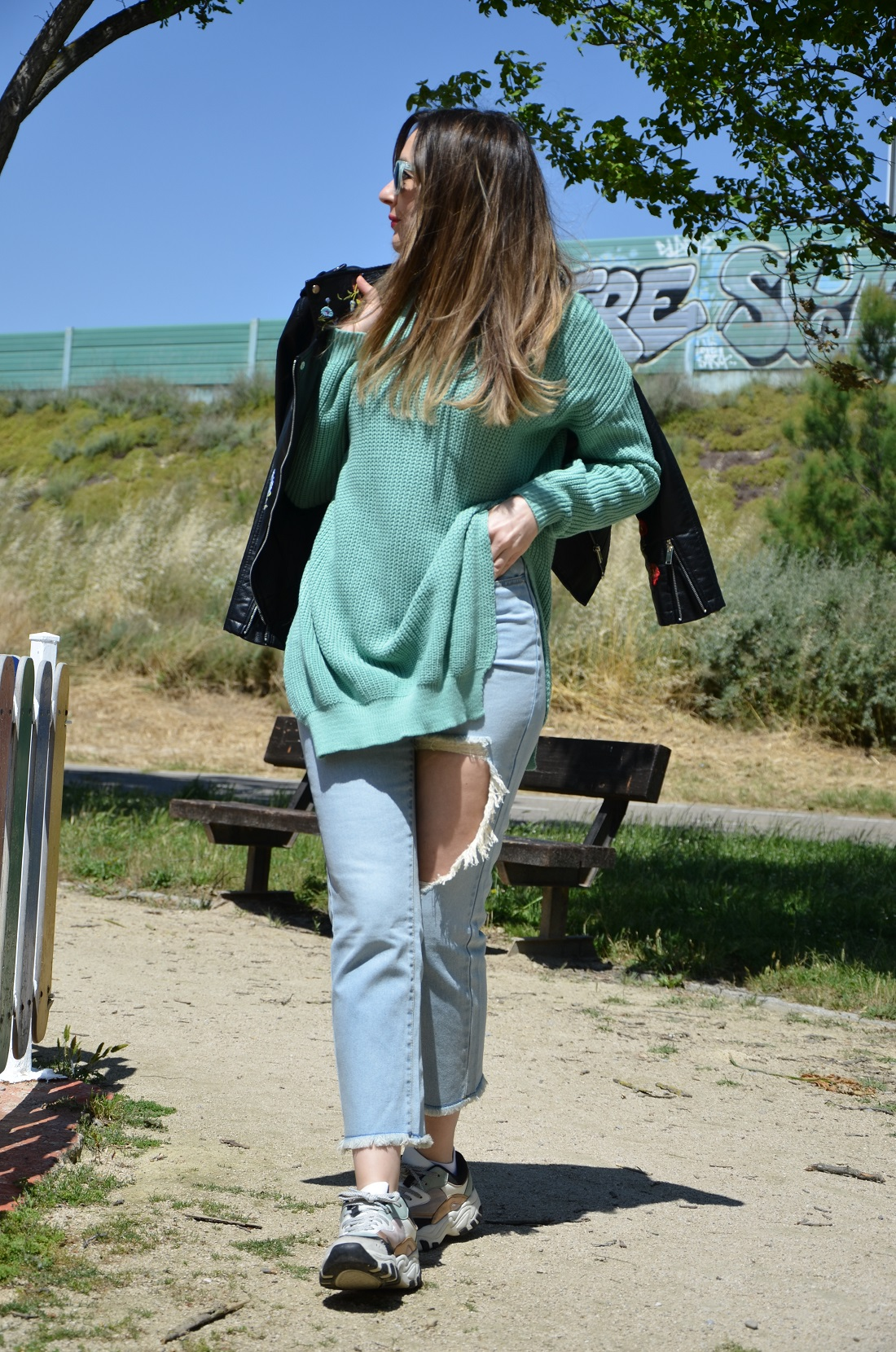 mintgreensweater-3